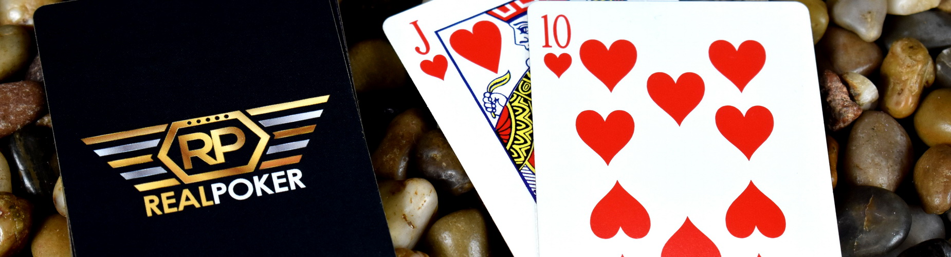 Does bluffing ever really work in poker online?